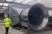 вытяжная система дымоудаления на промышленном объекте