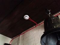 потолочное крепление кабеля