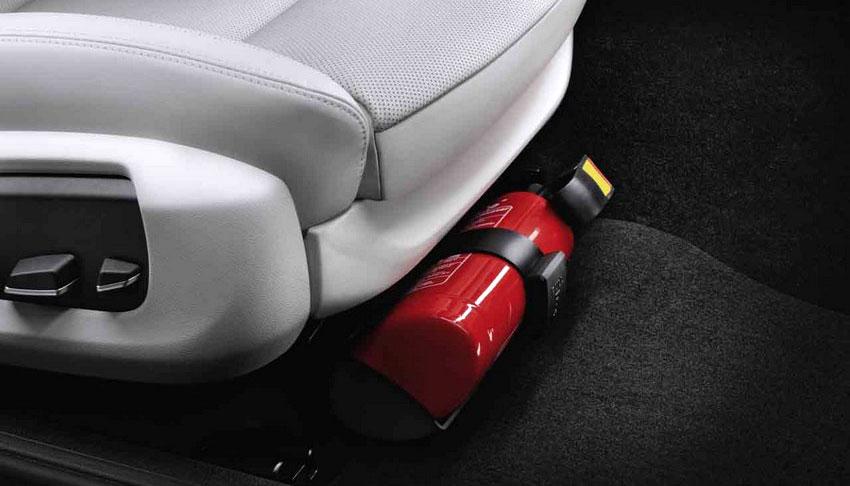 огнетушитель закрепленный под пассажирским сиденьем
