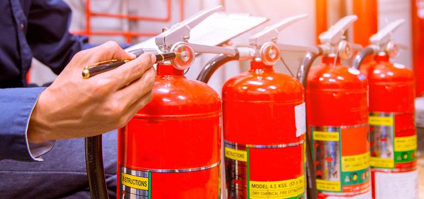 Что показывает манометр на огнетушителе: какое давление должно быть