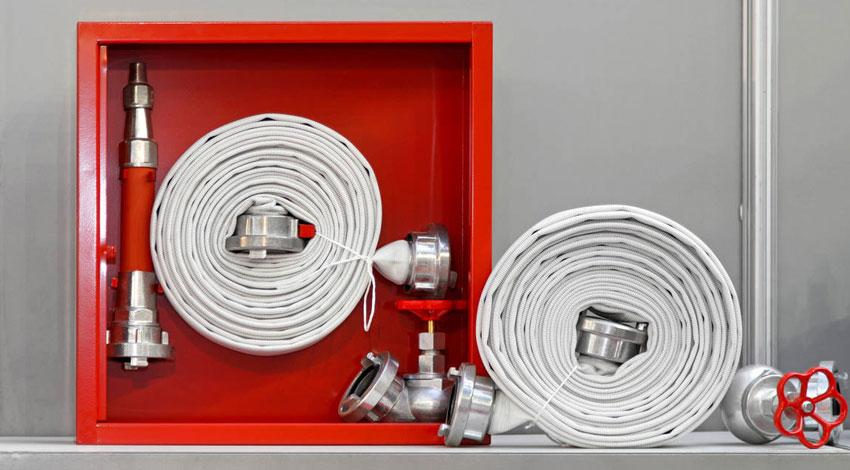 Скатка и перекатка пожарных рукавов: с какой периодичностью, правила, методы