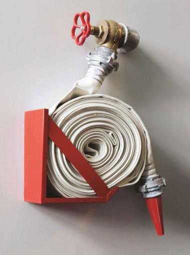 пожарный рукав подключенный к крану