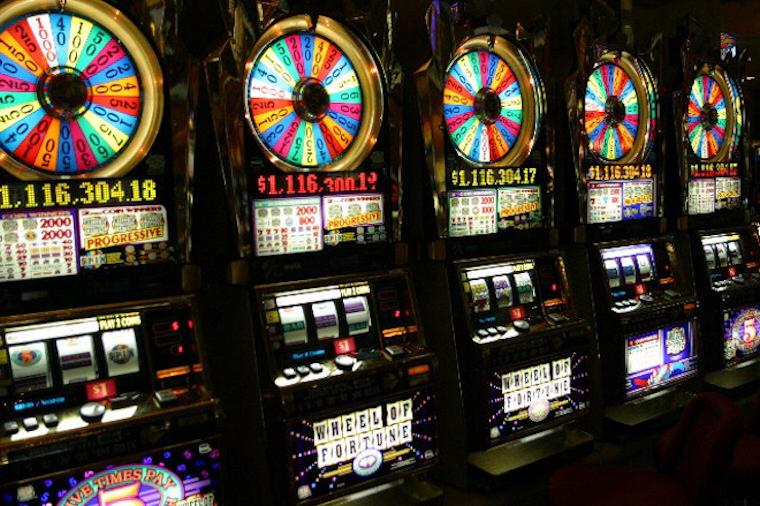 Стоит ли играть в казино Джет на реальные деньги?