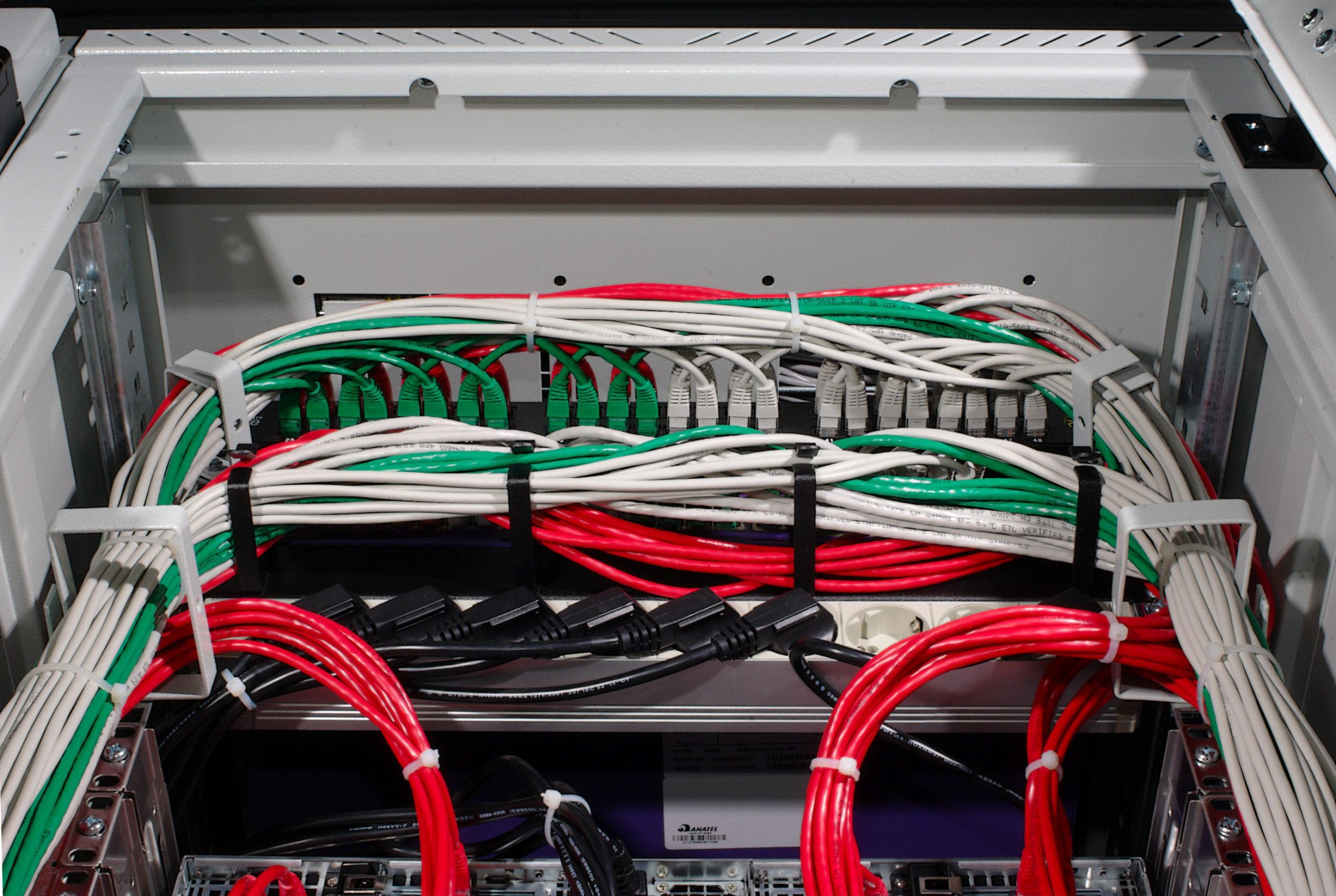 Где используются кабельные стяжки