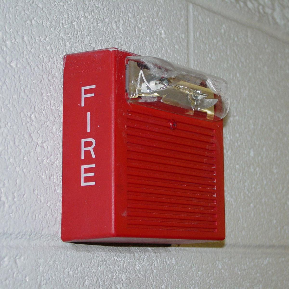 установка автоматической пожарной сигнализации и системы пожаротушения